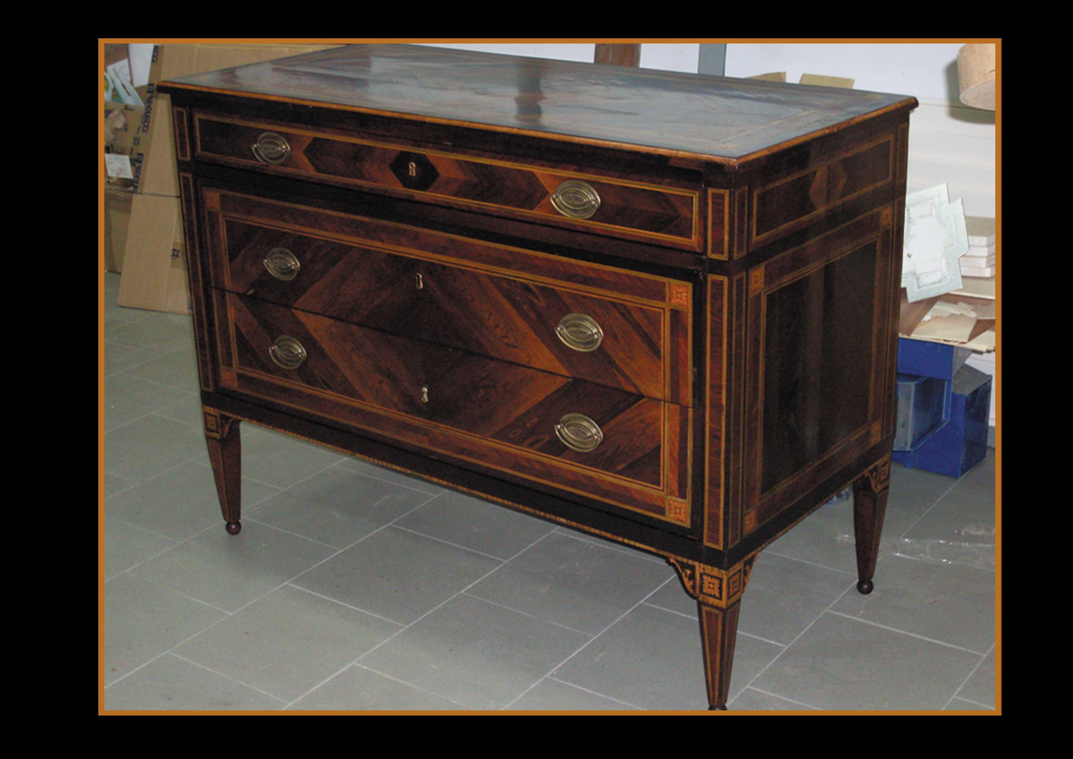 Gruppo scalise restauro mobili antichi riproduzioni - Mobili antichi colorati ...